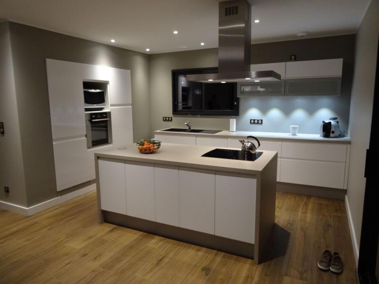 Art interieur agencement aix les bains amenagement for Mobilier de cuisine professionnel